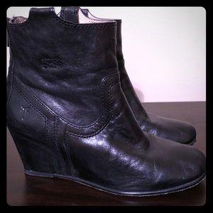 Frye Carson wedge booties. Black leather. Sz 7.5